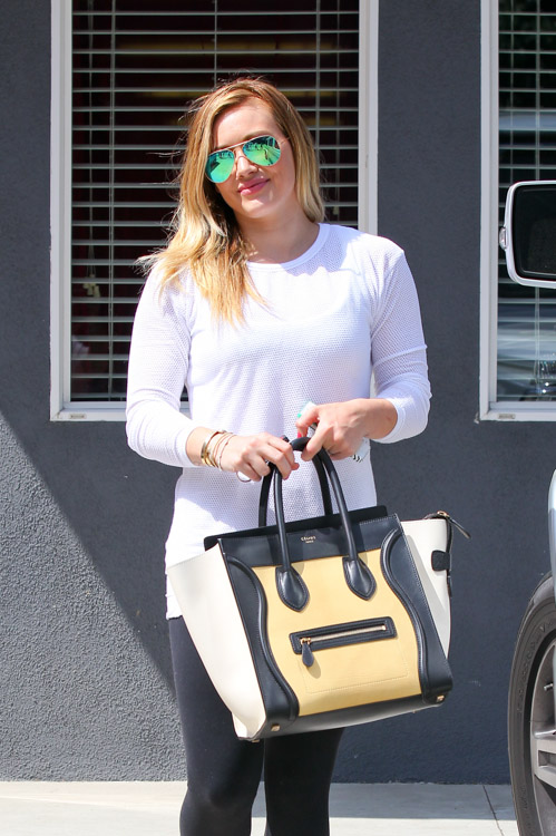 Hilary Duff carries a tricolor Celine Luggage Tote Bag in LA (2)