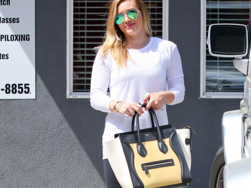 256b79985c76 Hilary Duff carries a tricolor Celine Luggage Tote Bag in LA (5)