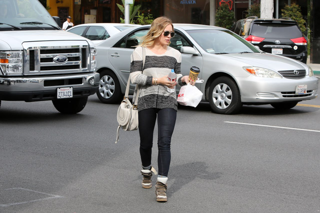 Hillary Duff carries a Chloe Marcie Crossbody Bag in Beverly Hills (2)