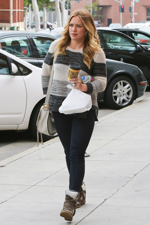 Hillary Duff carries a Chloe Marcie Crossbody Bag in Beverly Hills (3)