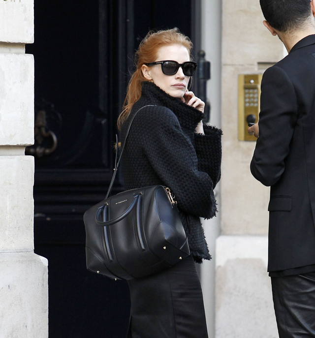Celebrities and their bags at Paris Fashion Week (4)