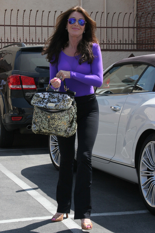 Lisa Vanderpump leaves Dancing with the Stars rehearsals with a Dolce & Gabbana Miss Sicily Bag (2)