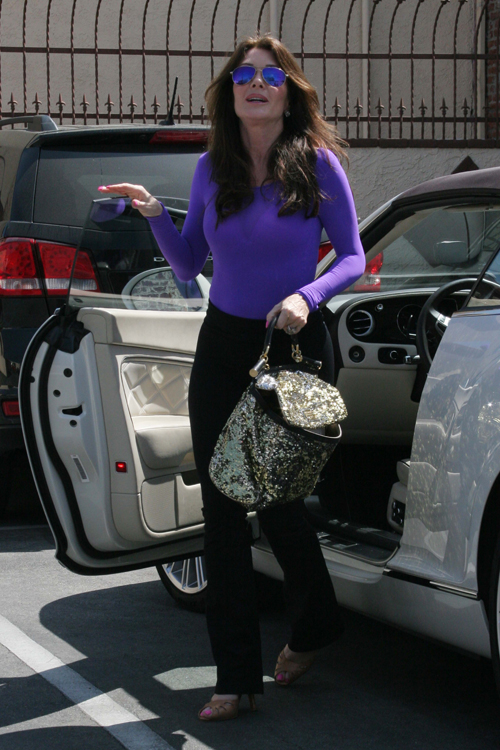 Lisa Vanderpump leaves Dancing with the Stars rehearsals with a Dolce & Gabbana Miss Sicily Bag (3)