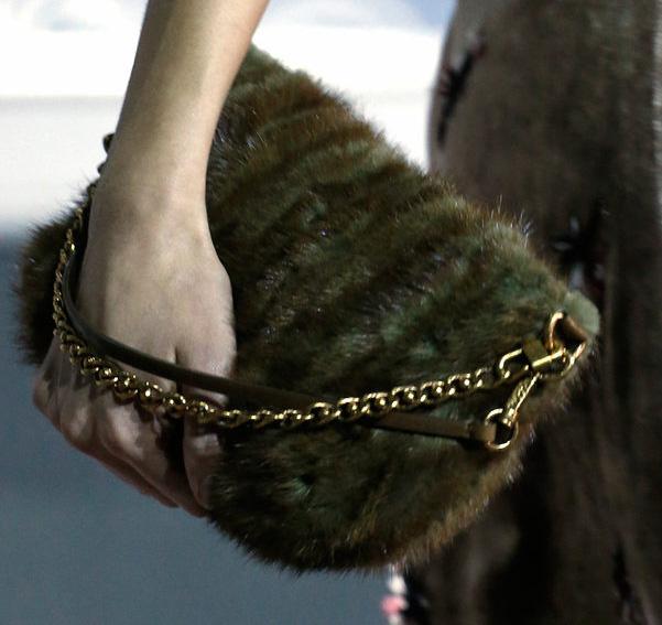 Louis Vuitton Fall 2013 Handbags (28)