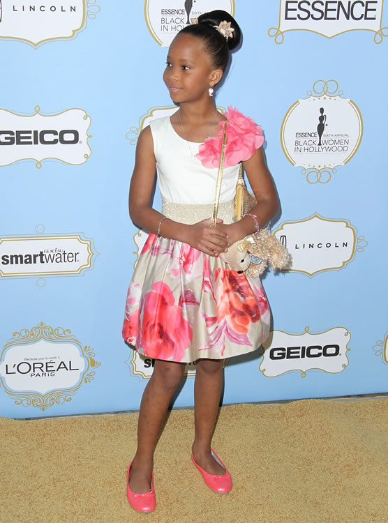 Quvenzhane Wallis Puppy Purse 6