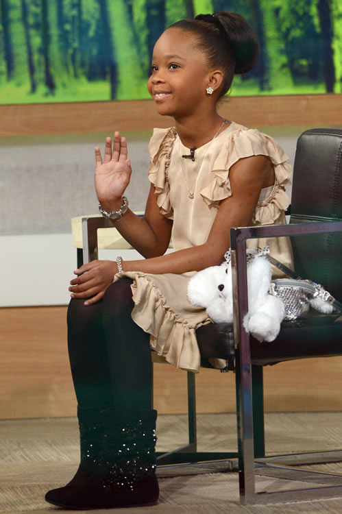 Quvenzhane Wallis Puppy Purse 8