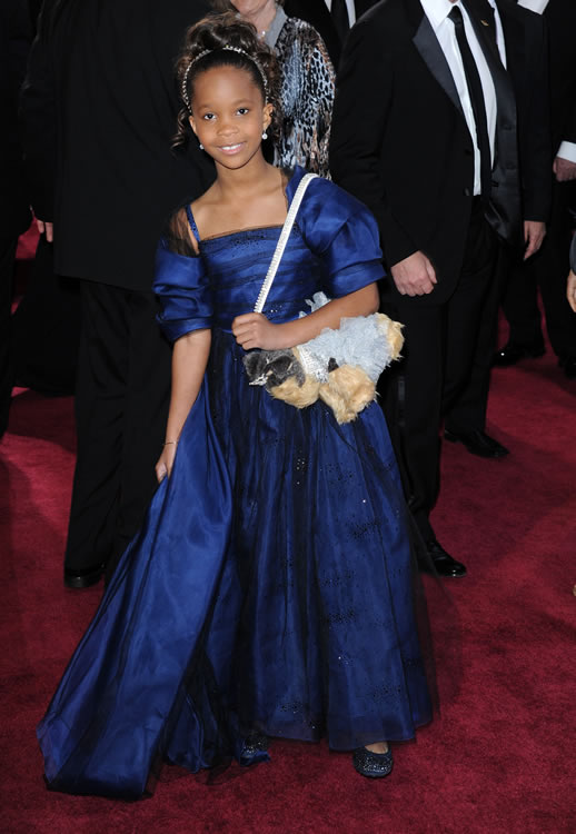 Quvenzhane Wallis Puppy Purse Oscars 3