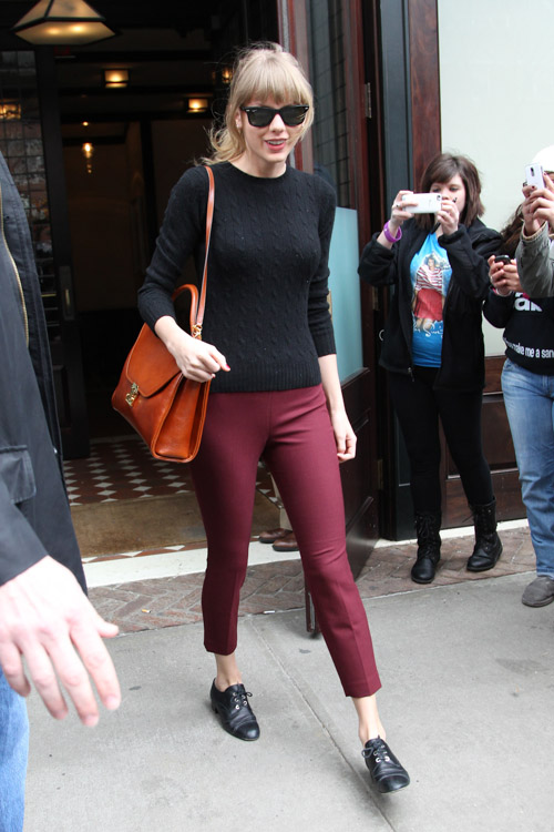 Taylor Swift carries a Marc Cross Scottie Large Flap Satchel in New York (1)