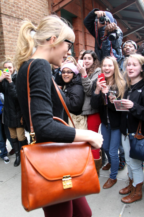 Taylor Swift carries a Marc Cross Scottie Large Flap Satchel in New York (4)
