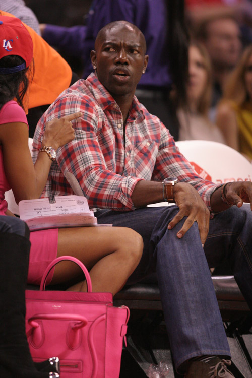 The Many Bags of Celebrity Basketball Fans (48)