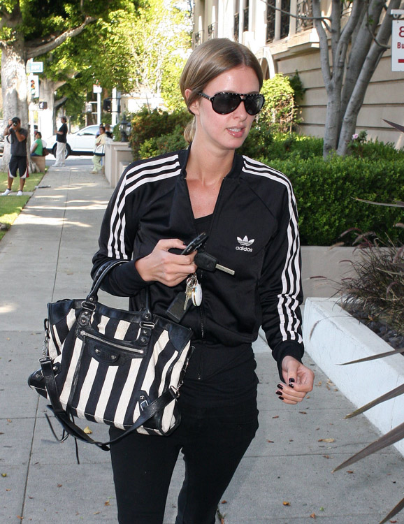 The Many Bags of Nicky Hilton-11