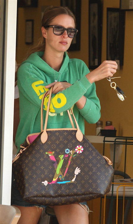 The Many Bags of Nicky Hilton-16