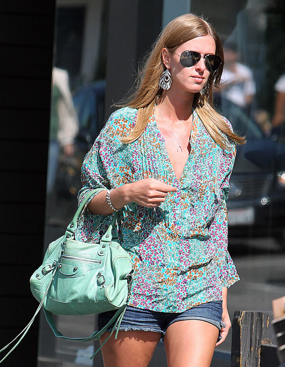 The Many Bags of Nicky Hilton-31