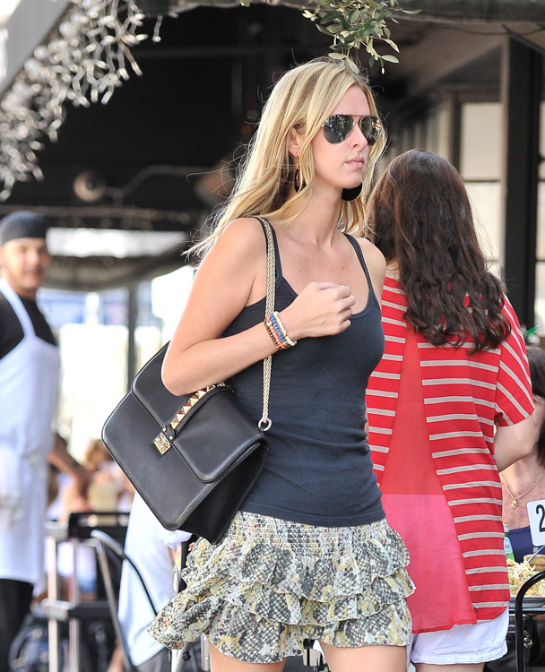 The Many Bags of Nicky Hilton-48