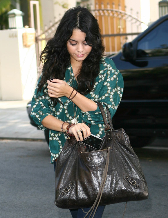 The Many Bags of Vanessa Hudgens (1)