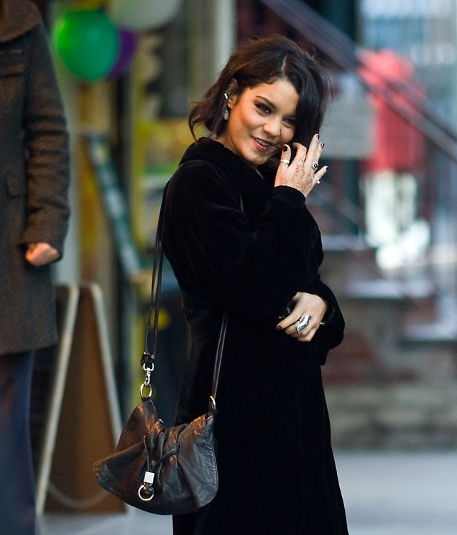 The Many Bags of Vanessa Hudgens (14)