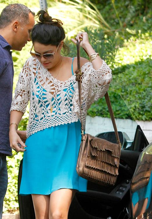 The Many Bags of Vanessa Hudgens (24)