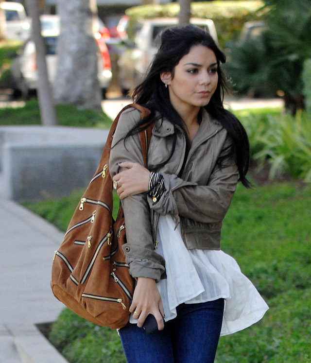 The Many Bags of Vanessa Hudgens (4)