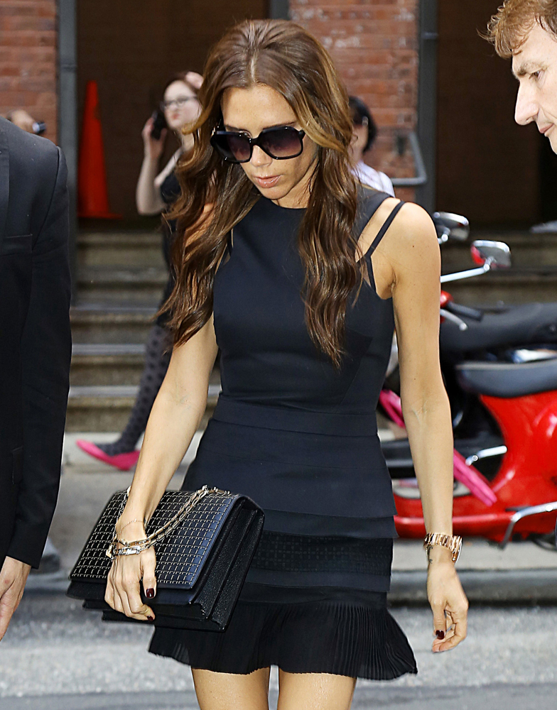 Victoria Beckham Hexagional Chain Shoulder Bag Black