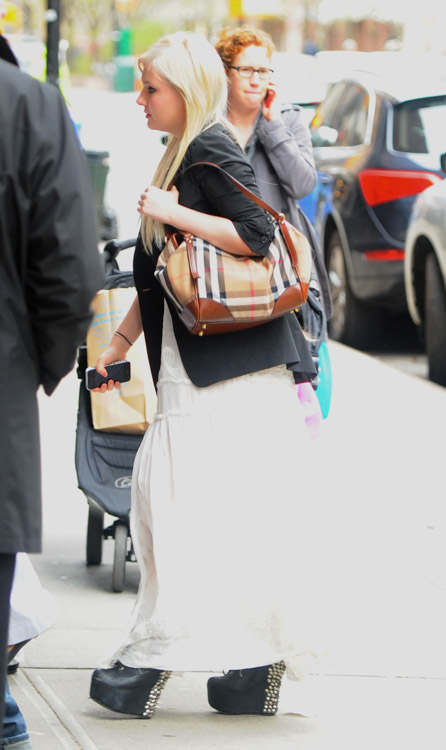 Abigail Breslin carries a Burberry Canterbury Shoulder Bag in NYC (1)