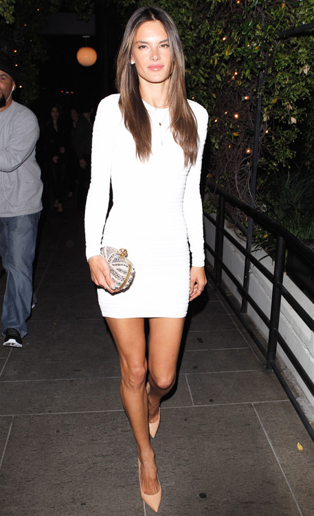 Alessandra Ambrosio carries an Alexander McQueen Union Jack Skull Clutch to her birthday party in LA (3)