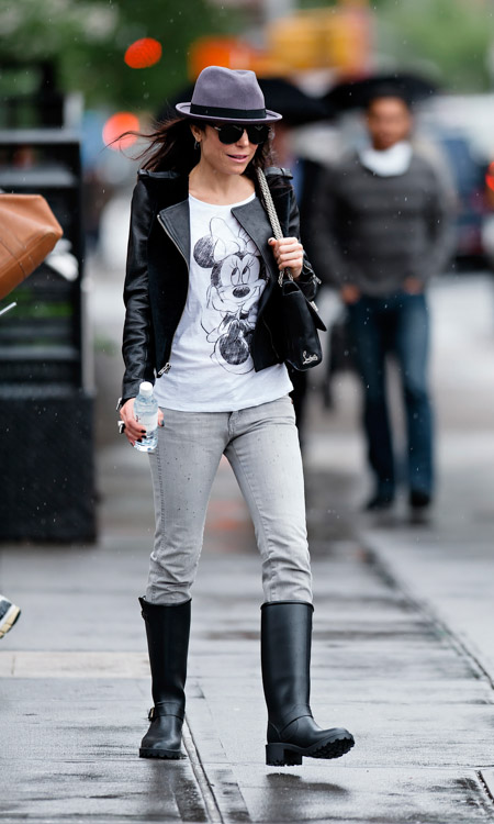 Bethenny Frankel carries a black leather Christian Louboutin Sweet Charity Shoulder Bag in NYC (2)