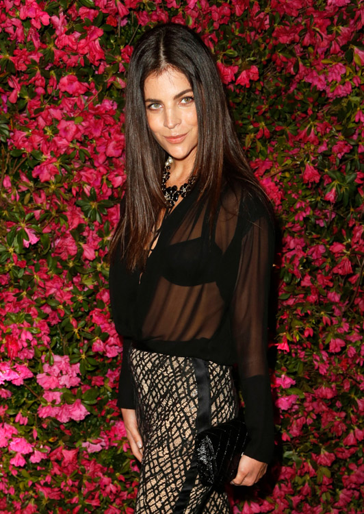 Celebrities carried Chanel bags at the brand's dinner celebrating the Tribeca Film Festival (6)