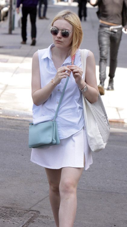 Dakota Fanning carries a light blue Celine Trio Bag in NYC (3)