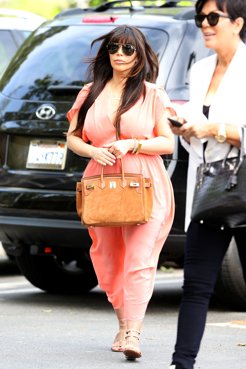Kim Kardashian carries an Hermes Grizzly Suede Birkin and Kris Jenner carries an Hermes Crocodile Birkin (5)