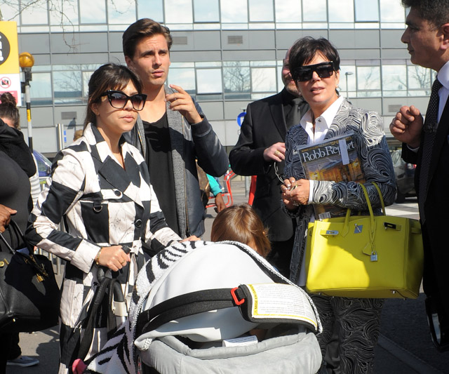 Kourtney Kardashian Kris Jenner Scott Disick Louis Vuitton Luggage Hermes Birkin Bags-4