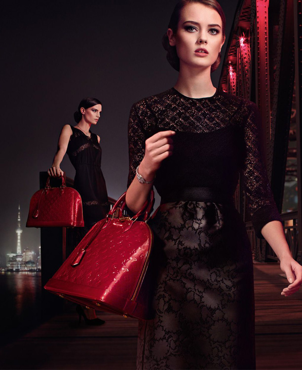 Louis Vuitton Alma Bag Chic on the Bridge Ad Campaign, featuring Karlie Kloss (5)