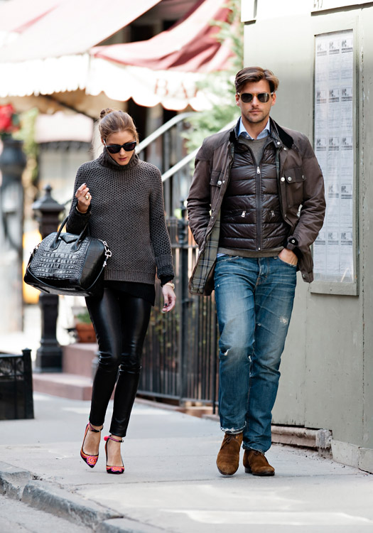 Olivia Palermo carries a black, crocodile-embossed Givenchy Antigona Bag (4)