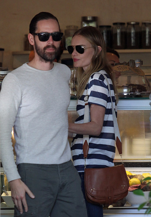 The Many Bags of Kate Bosworth (27)