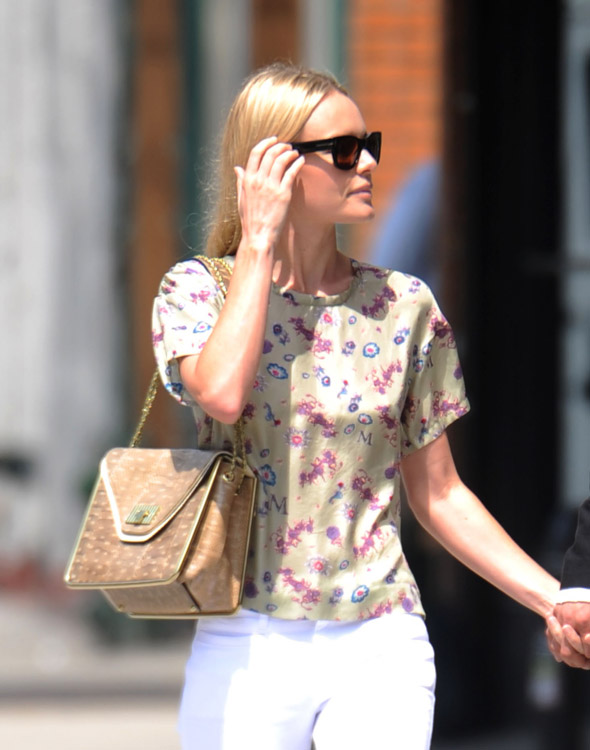 The Many Bags of Kate Bosworth (6)
