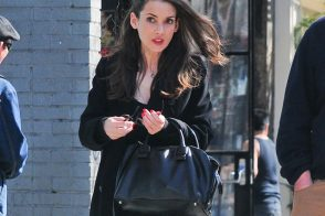Winona Ryder supports friend Marc Jacobs by carrying one of his bags