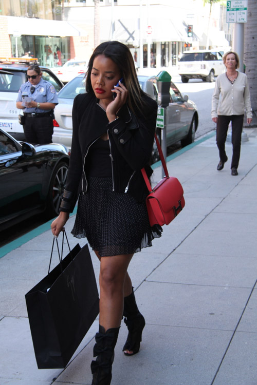 Angela Simmons carries a pink Hermes Constance Bag (1)