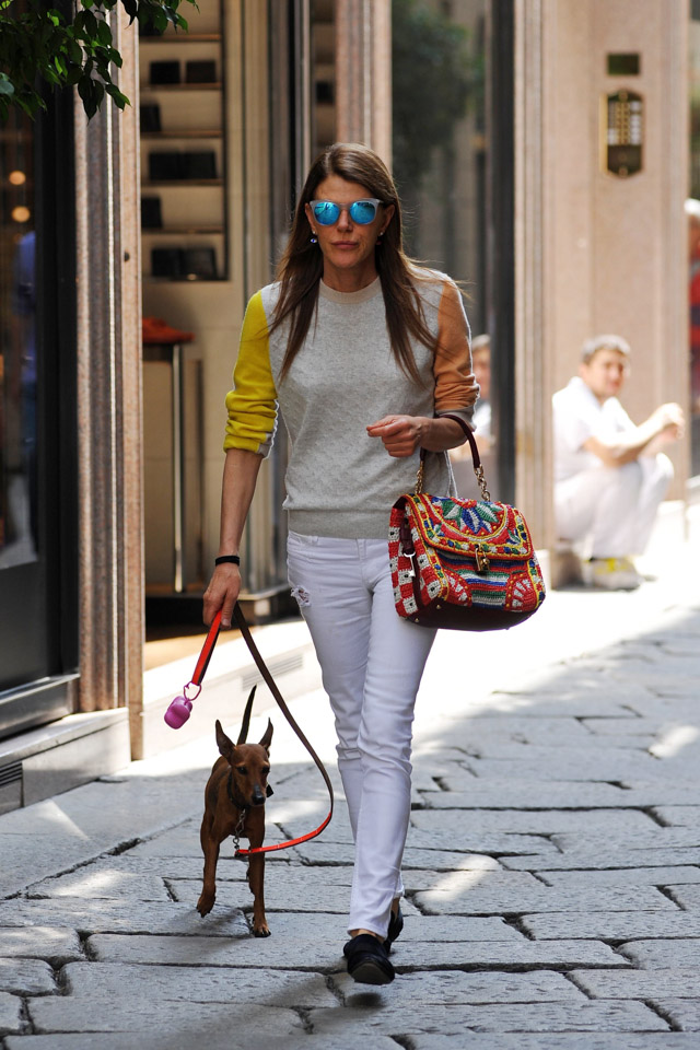 anna dello russo dresses like a regular person with a