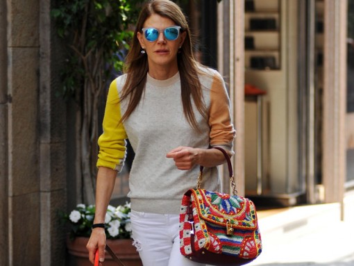 Anna Dello Russo carries a Dolce & Gabbana Miss Dolce Woven Raffia Bag while walking her dog in Milan (5)