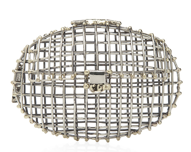 Anndra Neen Oval Open Cage Clutch