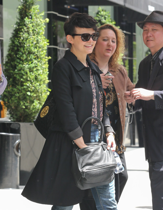 Ginnifer Goodwin carries a grey Givenchy Pandora Bag (1)