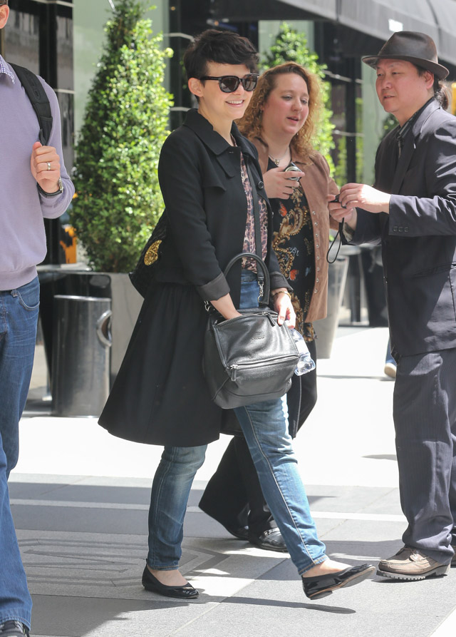 ginnifer goodwin looks casual with a givenchy pandora bag