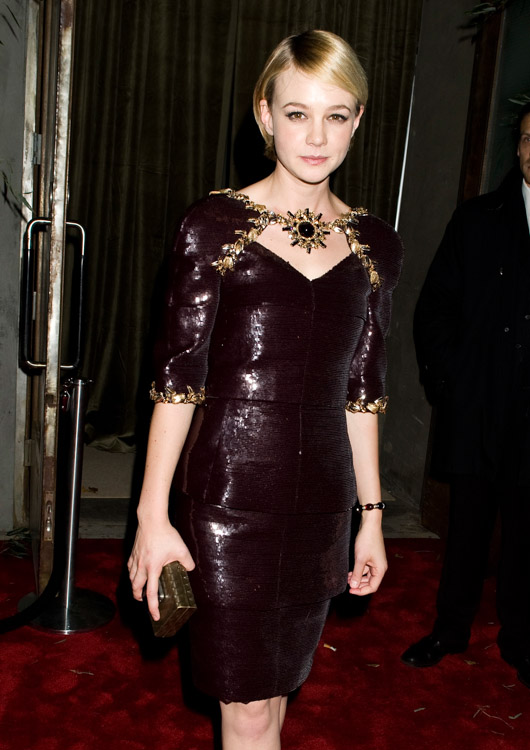 The Many Bags of Carey Mulligan (4)