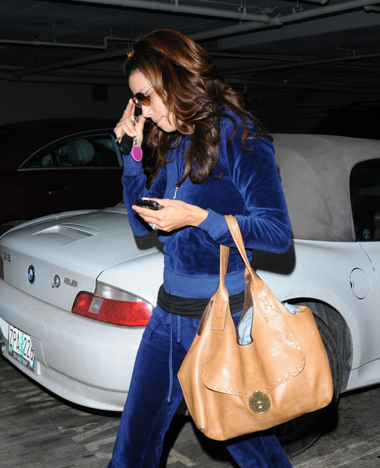 The Many Bags of Eva Longoria (17)