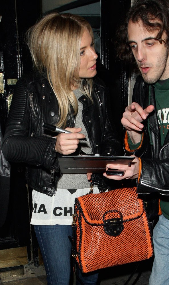 The Many Bags of Sienna Miller (27)