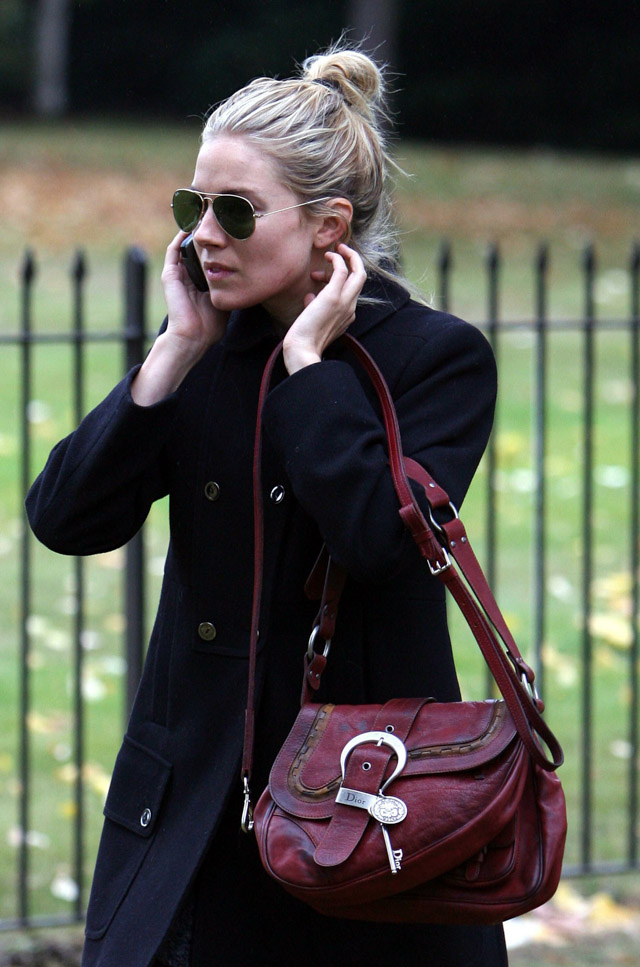 The Many Bags of Sienna Miller (10)