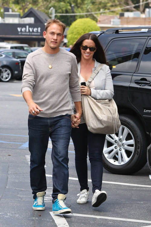 Alanis Morissette carries a Balenciaga Courier Bag in LA (1)