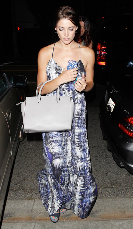 Ashley Greene carries a light grey MICHAEL Michael Kors Selma Tote Bag (1)