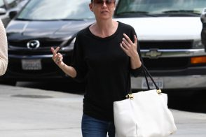 Ellen Pompeo carries a white Lanvin Trilogy Tote in LA. (5)