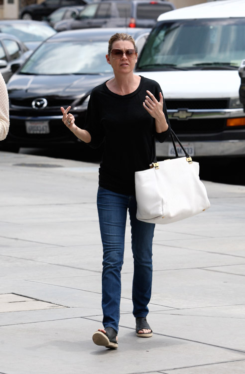 Ellen Pompeo carries a white Lanvin Trilogy Tote in LA. (4)