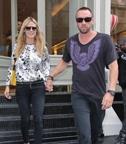 Heidi Klum carries a Michael Kors Miranda Tote in yellow. (5)